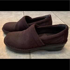 Born brown shoes
